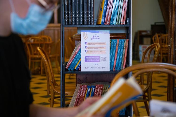 Café con libros, una experiencia imperdible en Mataderos