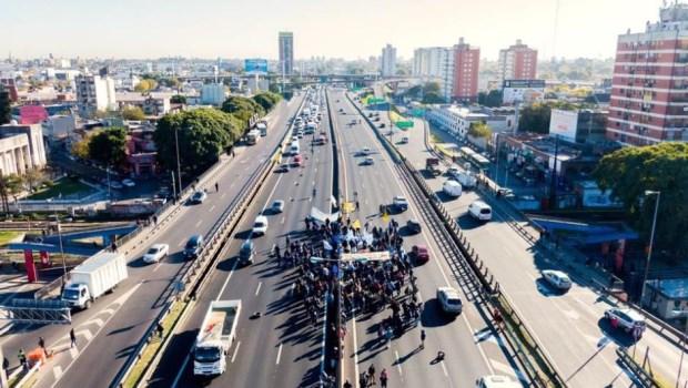 Recuerdos de sol y asfalto entre el Río de la Plata y el Riachuelo