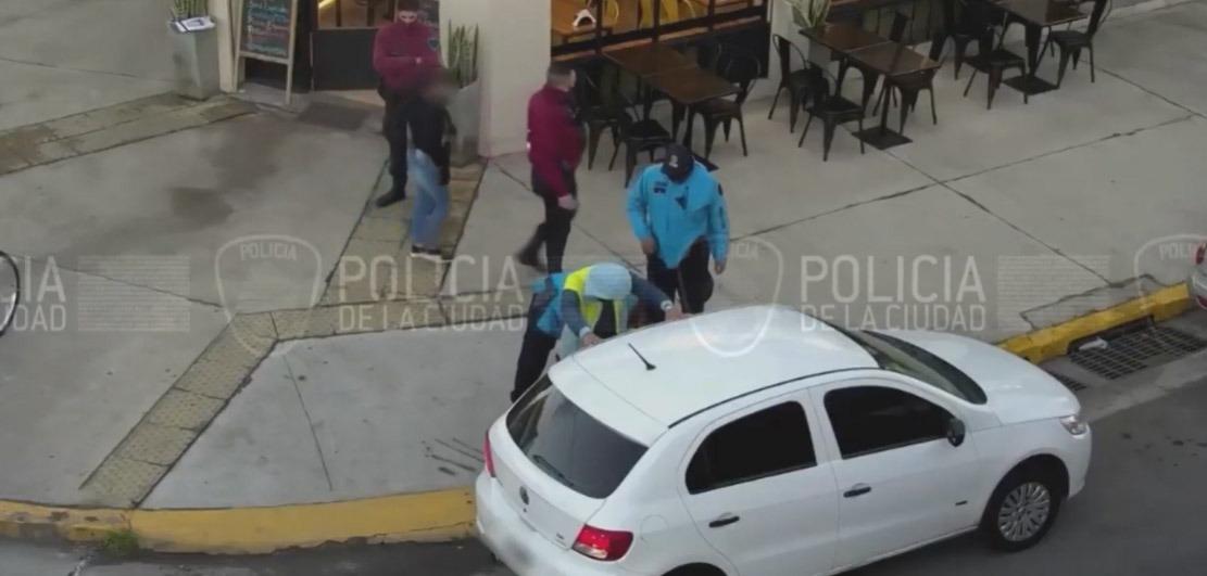 Drogó a una joven y la abusó sexualmente. Lo detuvieron en Liniers